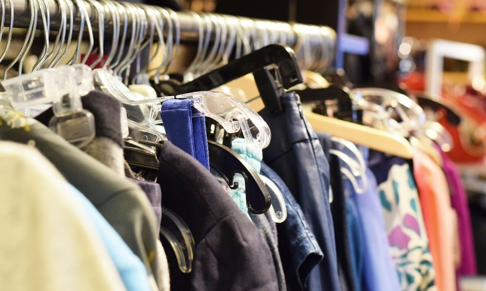 The Difference Between Consignment and Thrift Stores