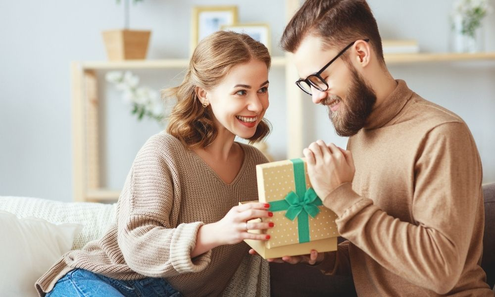 How To Give the Gift of Nostalgia During the Holidays